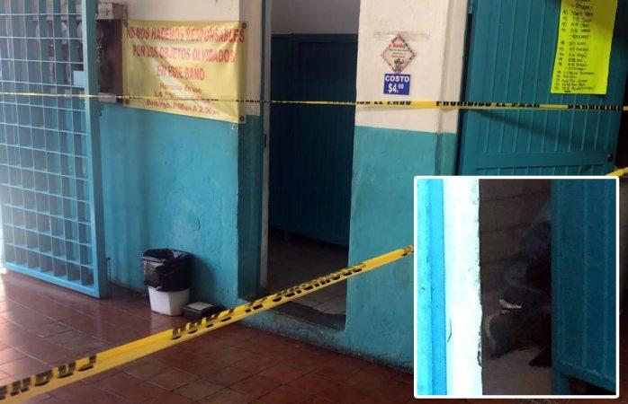 Muere hombre de 70 años en baños del mercado juárez