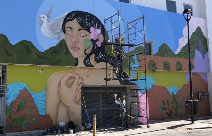 Alistan murales en la calle Juárez