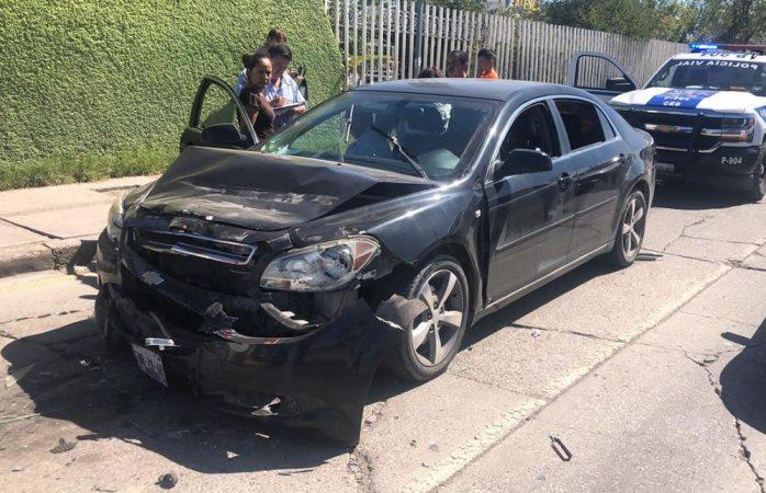 Carambola deja 4 heridos frente a plaza sendero