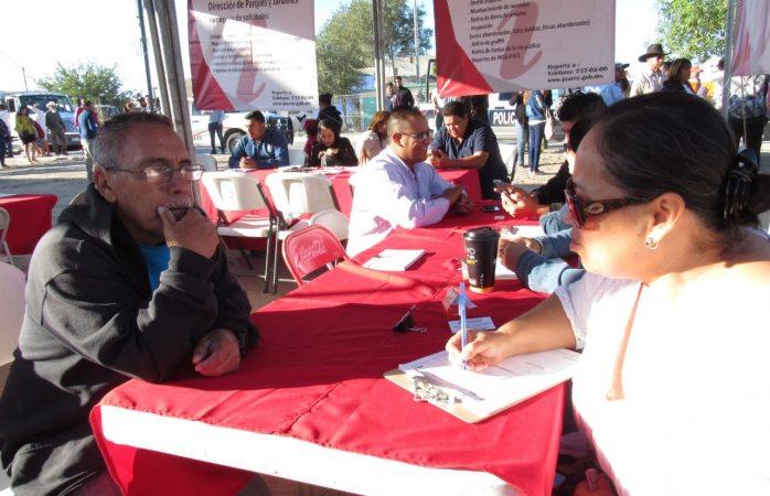 Recibe servicios públicos peticiones ciudadanas en feria independiente de servicios municipales