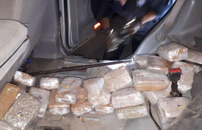 Aseguran 90 kilos de mariguana en la carretera a juárez