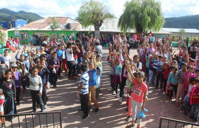 Realizan actividad de concientización del cáncer infantil en Baborigame