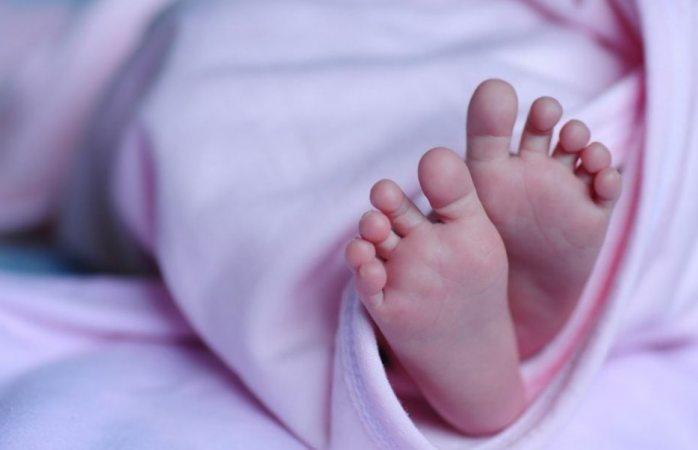 Nacimiento de bebé sin rostro causa escándalo de negligencia