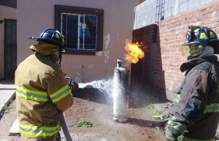 Atienen bomberos reportes de incendio en Cuauhtémoc