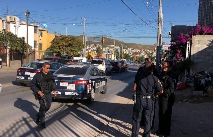 Se encañonan agentes federales y municipales tras confusión