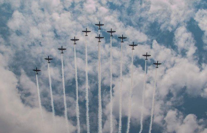 Afinan salto y desfile aéreo para el 16 de septiembre