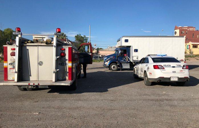 Resguardan pirotecnia bomberos y policía vial