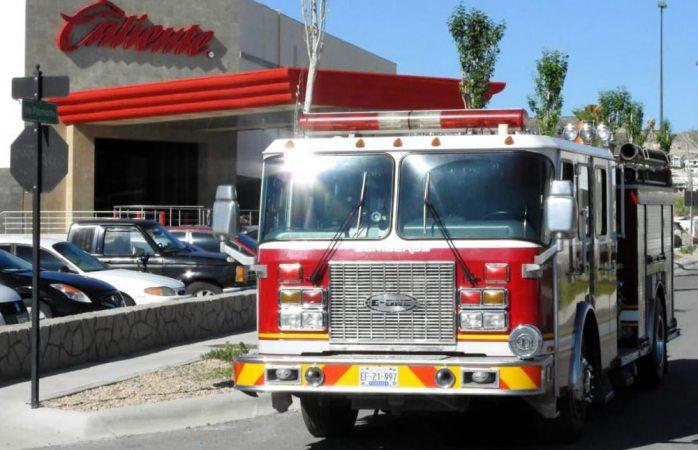 Reporte de fuga de gas moviliza a bomberos al casino caliente