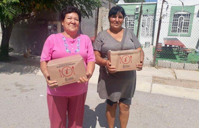 Entregan apoyos alimentarios en colonias del suroriente
