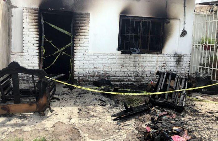 Rebrota incendio en casa donde murió uno en la rosario
