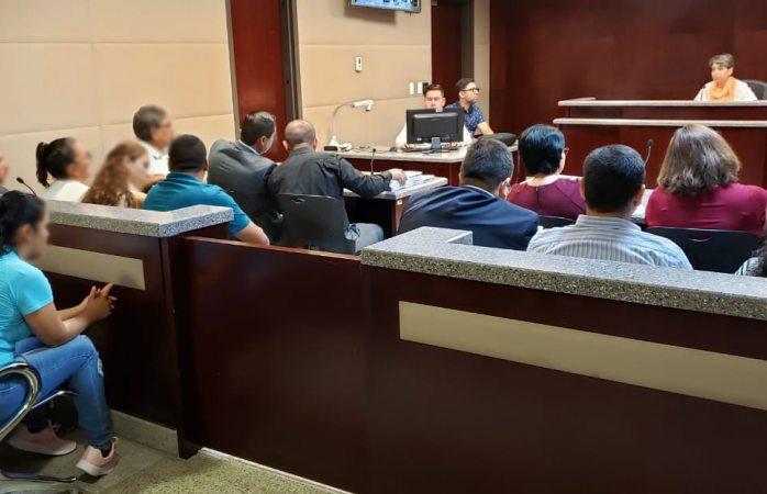 Acuerdan entregar casas nueve de los acusados de despojo