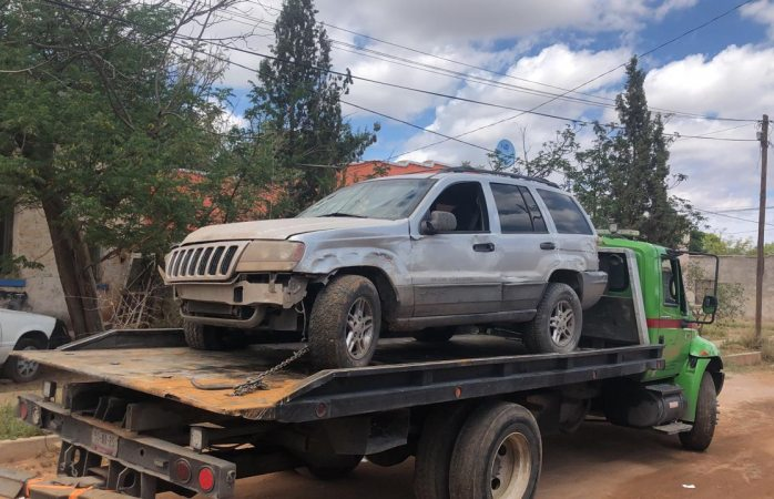 Estampan camioneta robada en ávalos