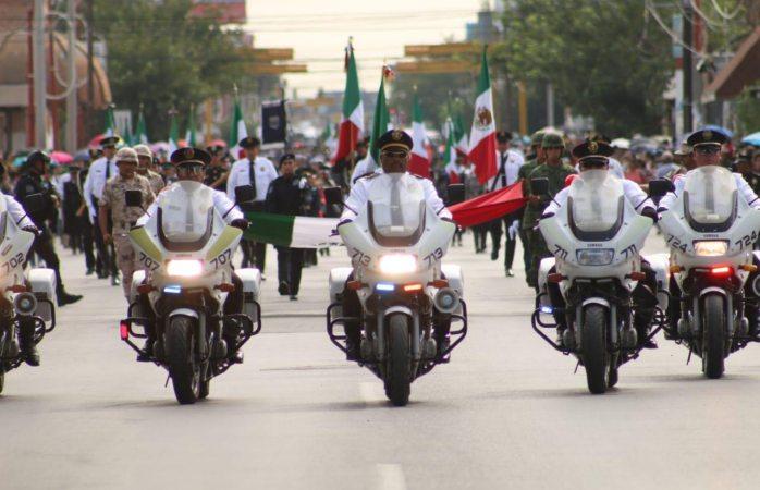 Juarenses disfrutan desfile del 16 de septiembre
