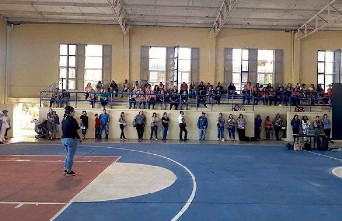 Beneficia DIF Municipal a padres de familia con plática sobre prevención de violencia