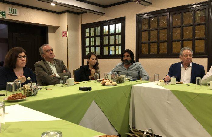 Buscan ex funcionarios diálogos con la ciudadanía