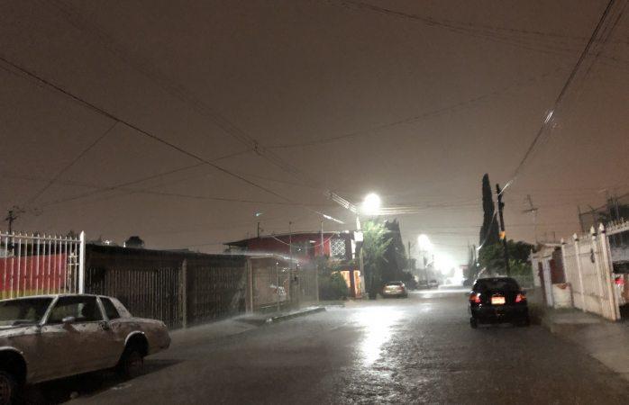 Fuerte lluvia azota Chihuahua