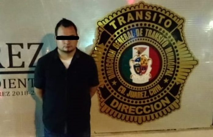 Lo arrestan por conducir en estado de ebriedad y por mostrar licencia falsa