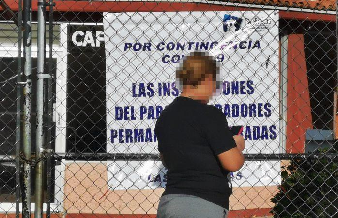 Cierra Parque Fundadores por pandemia; deportistas se ejercitan por fuera