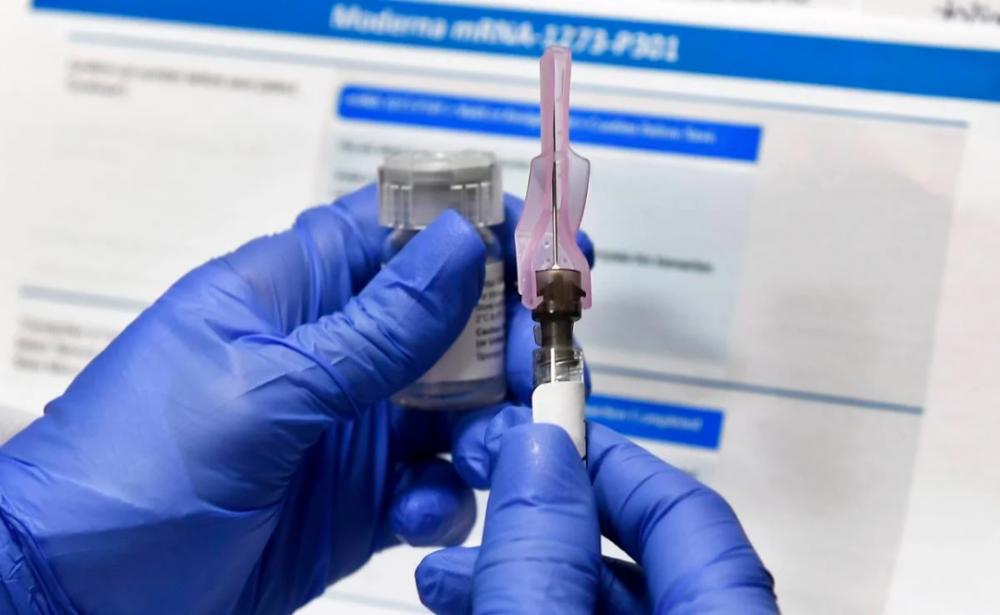 Revelan precio de la vacuna contra COVID de Moderna