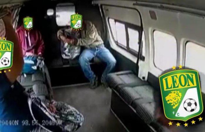 León amenaza al Cruz Azul con meme del intento de asalto en combi