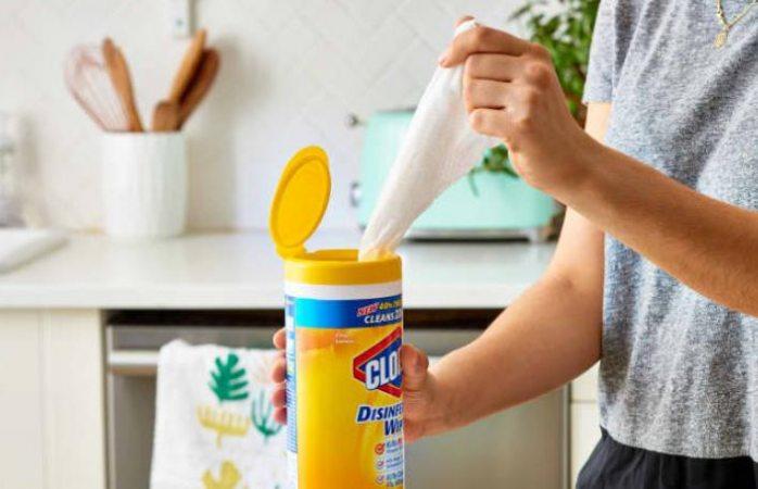 Advierte Clorox que habrá escasez de toallitas desinfectantes hasta 2021
