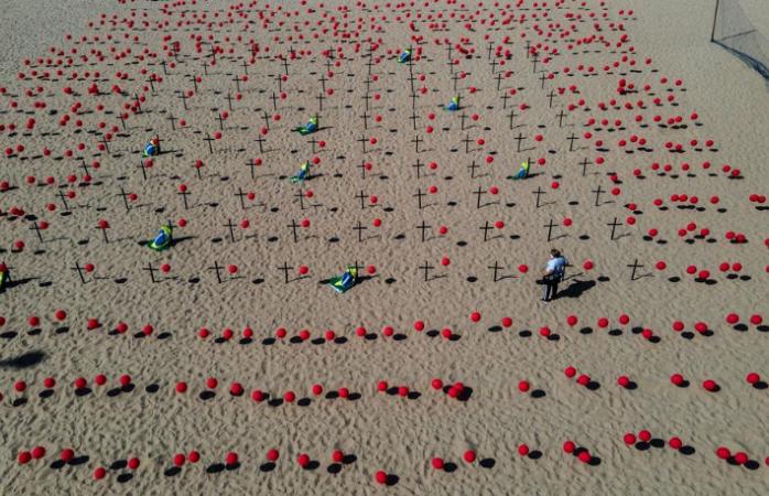 Rinden homenaje en playa del carmen a víctimas de covid-19