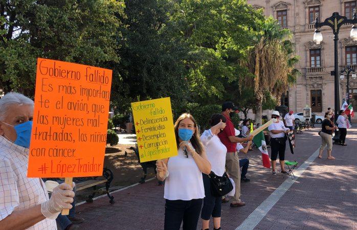 Piden en la plaza Hidalgo la renuncia de López Obrador