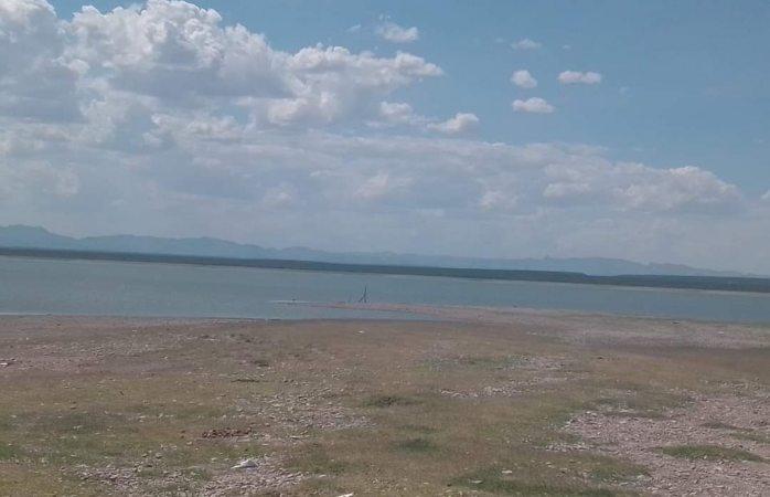Denuncian visitantes preocupante nivel de agua en la presa Las Vírgenes