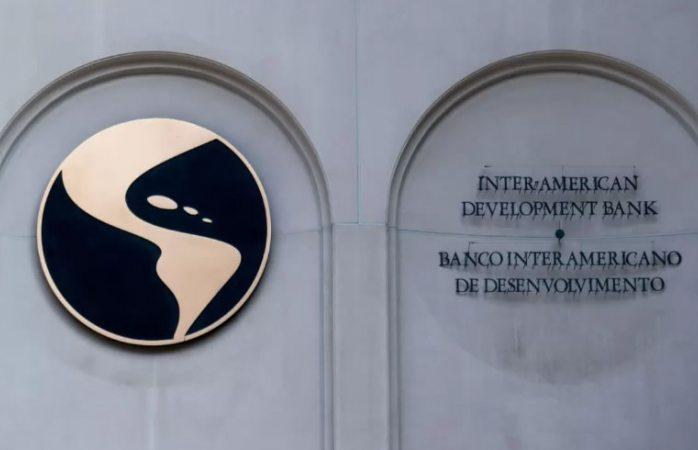 Pide retrasar elección de presidente del Banco Interamericano de Desarrollo