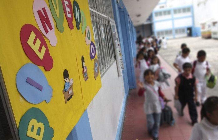 Condenan a 60 años de prisión a maestra de kinder por pederastia
