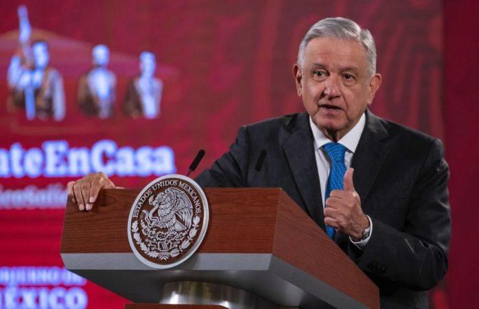 No es conmigo, es con el juez de EU, dice AMLO a Calderón