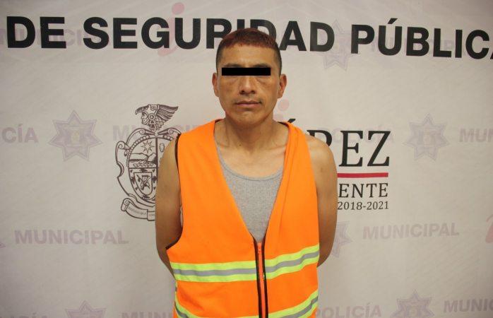 Arrestan a narcomenudista en posesión de 50 envoltorios de cristal