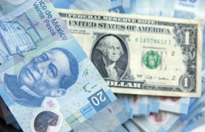 Peso opera con ganancias; dólar baja a 22.01 unidades