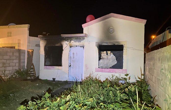 Se incinera casa en urbivillas prado