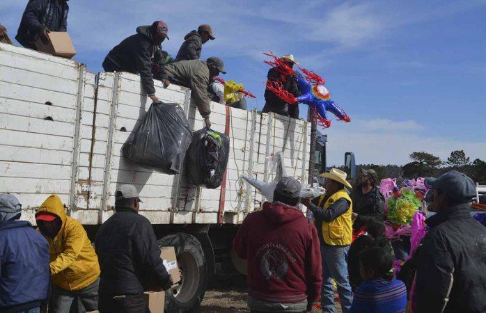 Entregan más de 22 toneladas de apoyos en Guadalupe y Calvo