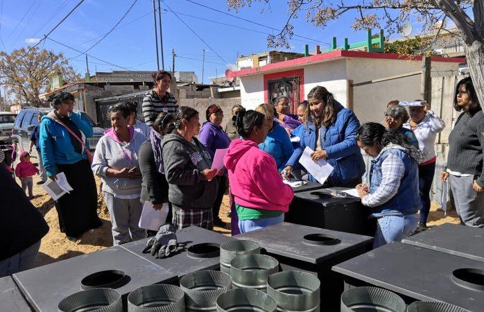 Entregan calentones desarrollo social en Toribio Ortega