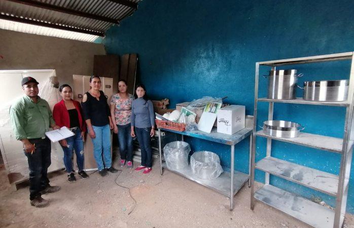 Lleva DIF municipal equipamiento de cocina a Basonopita de Abajo