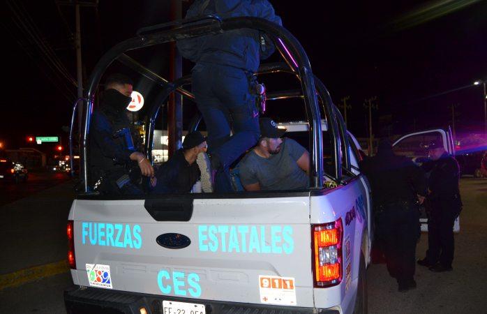 Tres detenidos, arma de juguete asegurada y movilización policiaca en el Fuentes Mares