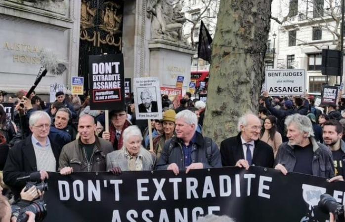 Protestan en Londres contra extradición de Assange