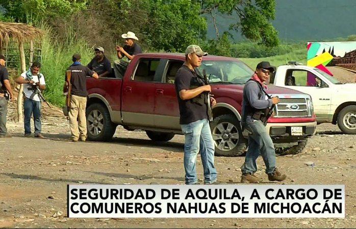 Aterrorizan supuestos grupos de autodefensa a habitantes de Aquila