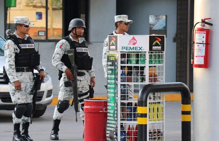 Inmovilizará guardia nacional a gasolineras que no vendan litros de a litro