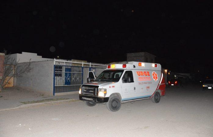Atacan a puñaladas a un hombre en Punta Oriente y se registra movilización policiaca