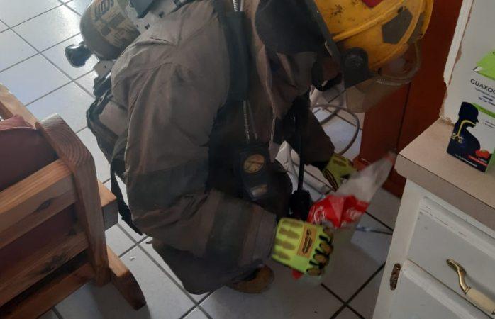 Acuden elementos de Bomberos a revisar calefactor