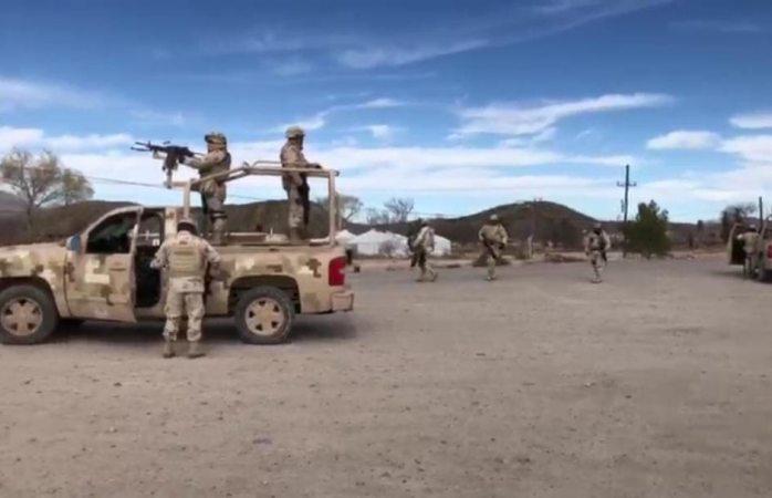 Sitian ojinaga; buscan a sicarios que mataron a federales