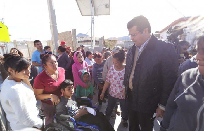Entrega municipio calentones a familias de la colonia Juanita Luna