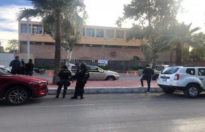 Arrestan a abuelo del niño que disparó en primaria de Torreón