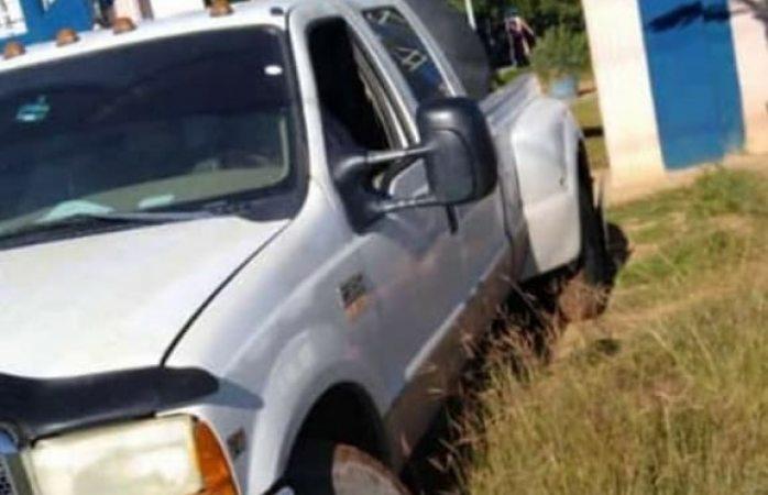 Solicitan ayuda para localizar una camioneta de color blanca