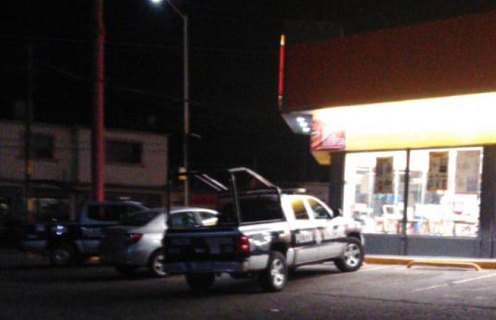 Encapuchado atraca otro oxxo en Delicias
