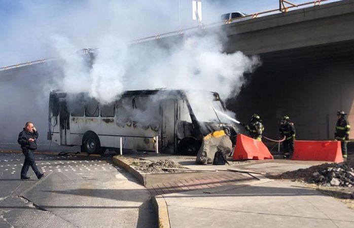 Pese a incendio de camión urbano, piden aumento a la tarifa