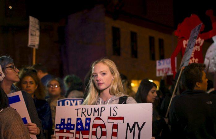 Marchan miles de mujeres contra Donald Trump en varias ciudades de EUA
